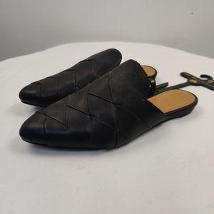 Big Buddah black woven almond toe slides